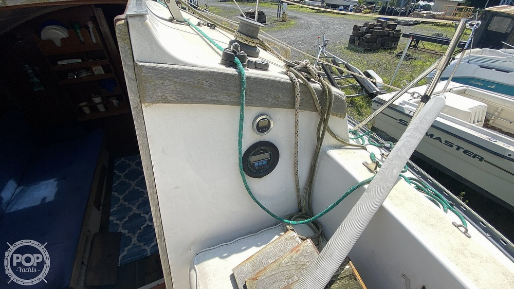 1987 Capital Yachts boat for sale, model of the boat is Newport 28 & Image # 25 of 40