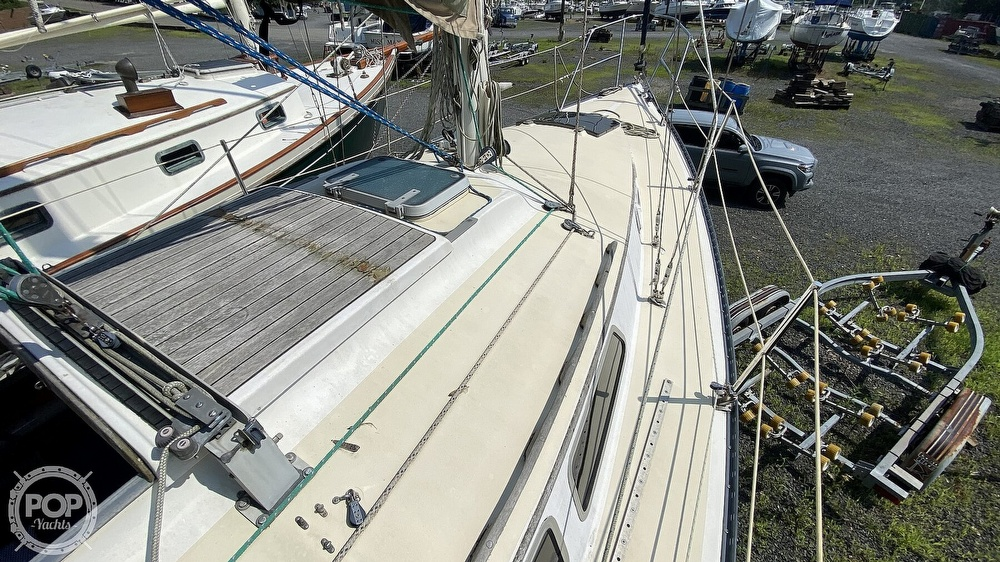 1987 Capital Yachts boat for sale, model of the boat is Newport 28 & Image # 27 of 40