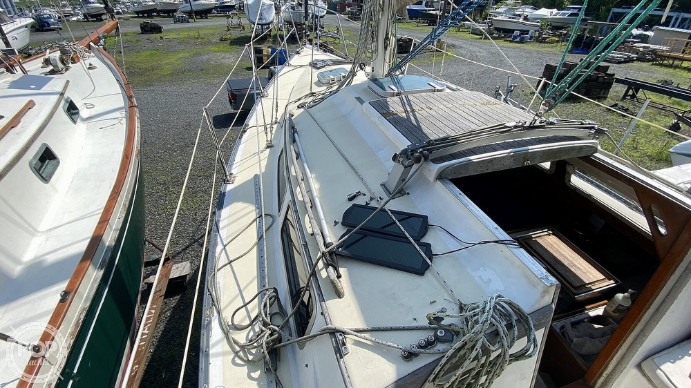 1987 Capital Yachts boat for sale, model of the boat is Newport 28 & Image # 28 of 40