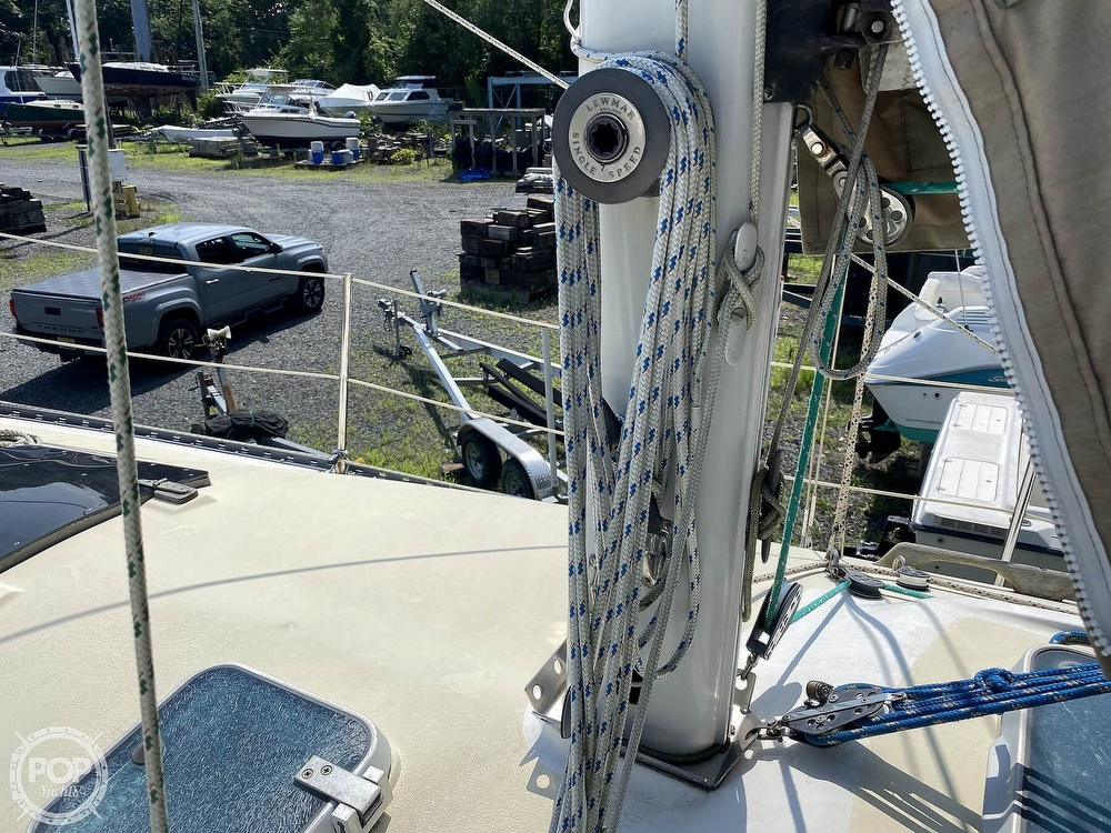1987 Capital Yachts boat for sale, model of the boat is Newport 28 & Image # 33 of 40