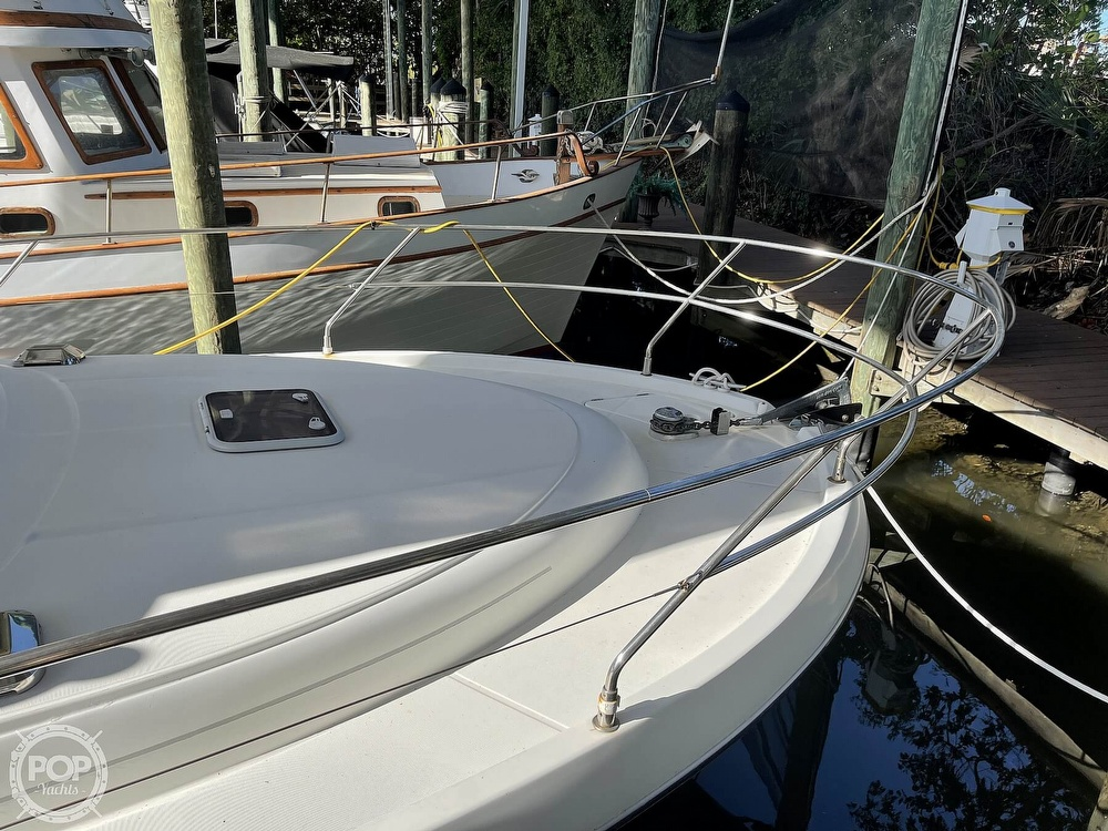 2005 Beneteau boat for sale, model of the boat is Antares 9.8 & Image # 4 of 40