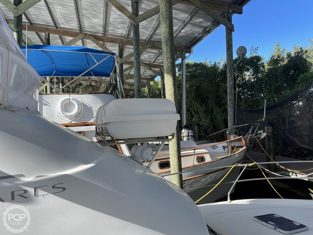 2005 Beneteau boat for sale, model of the boat is Antares 9.8 & Image # 8 of 40