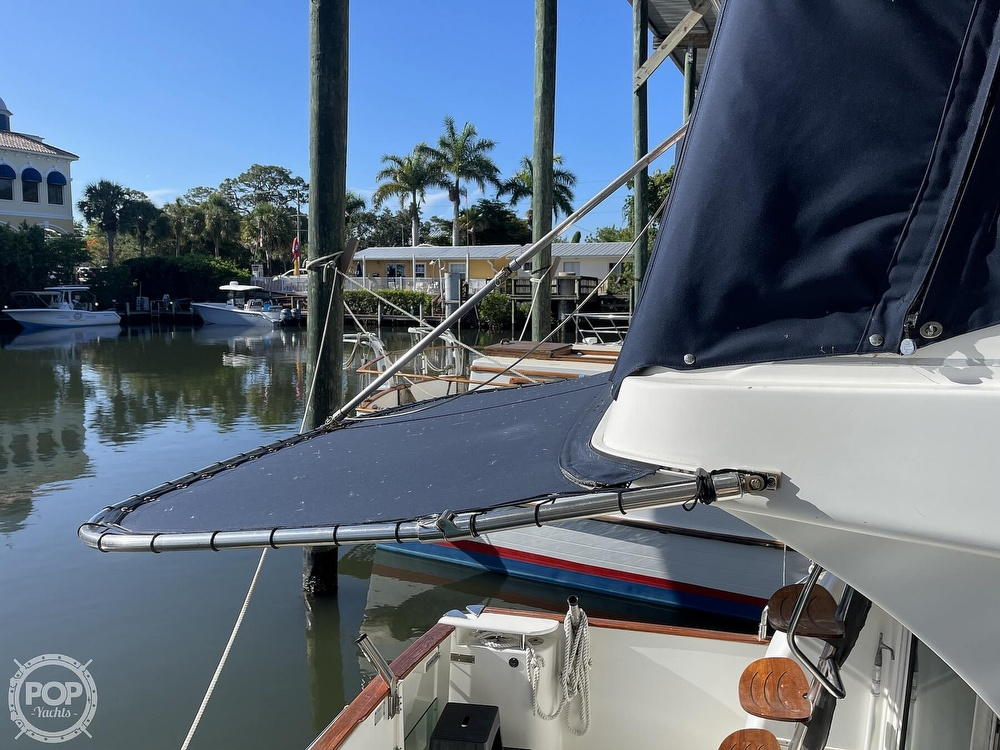 2005 Beneteau boat for sale, model of the boat is Antares 9.8 & Image # 14 of 40