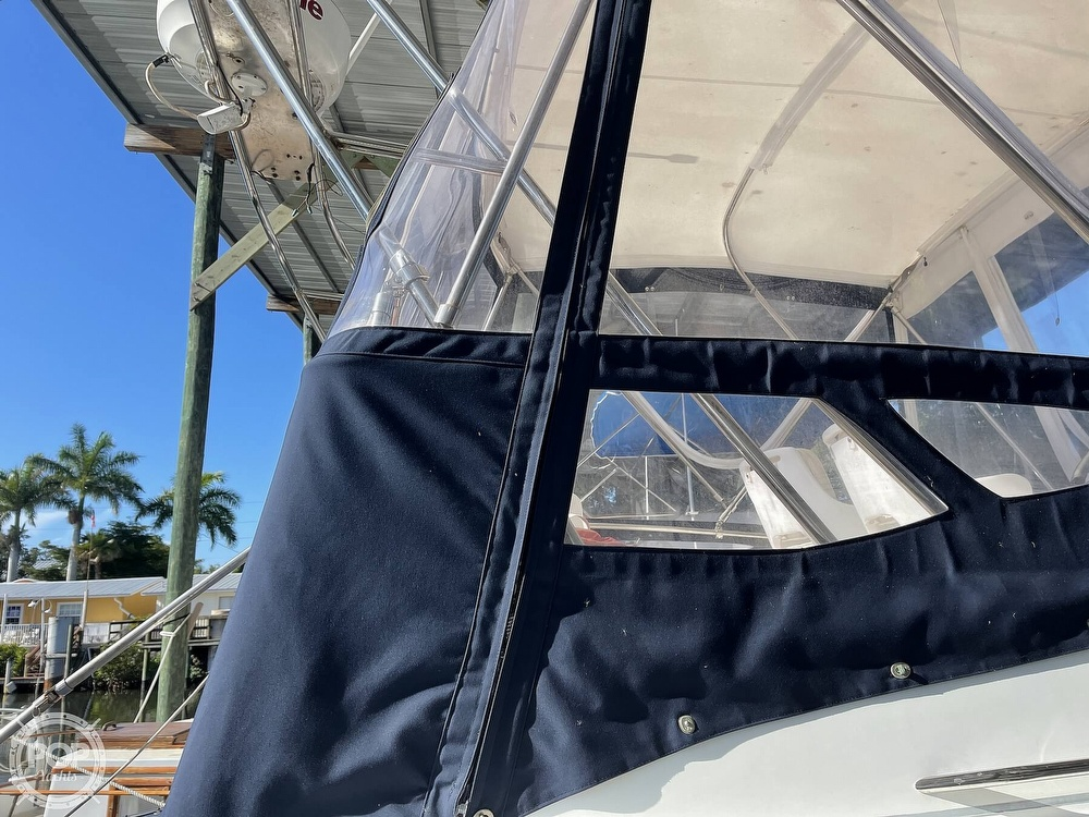 2005 Beneteau boat for sale, model of the boat is Antares 9.8 & Image # 15 of 40