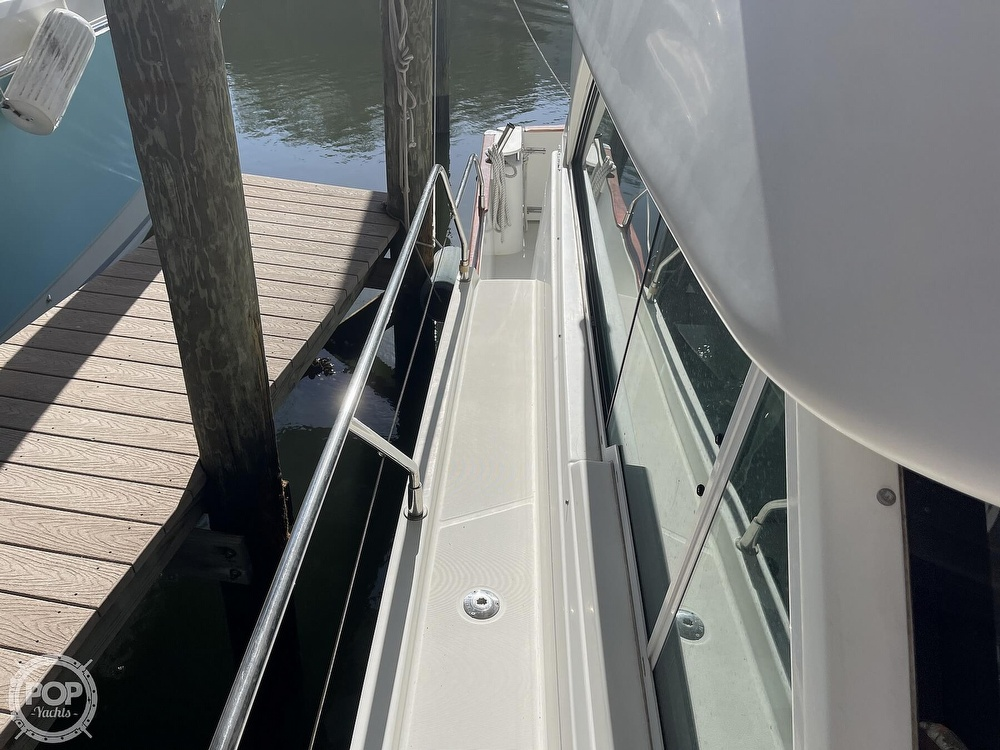 2005 Beneteau boat for sale, model of the boat is Antares 9.8 & Image # 24 of 40