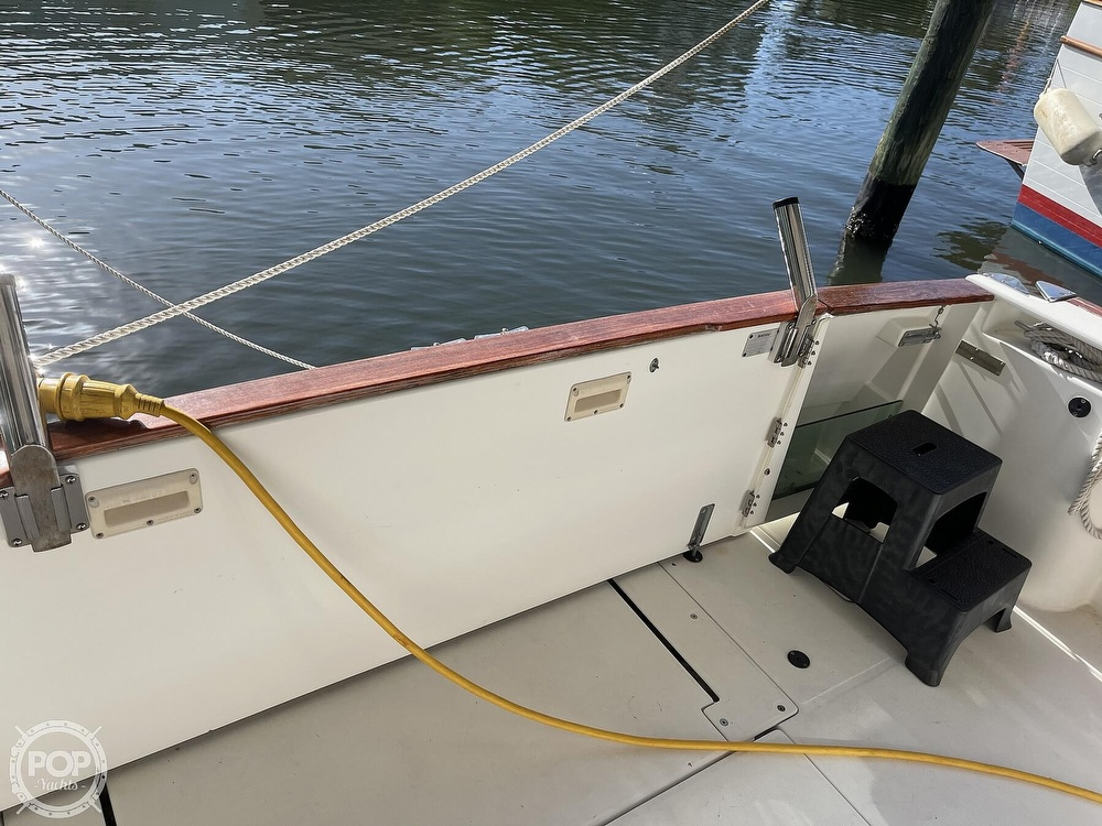 2005 Beneteau boat for sale, model of the boat is Antares 9.8 & Image # 26 of 40