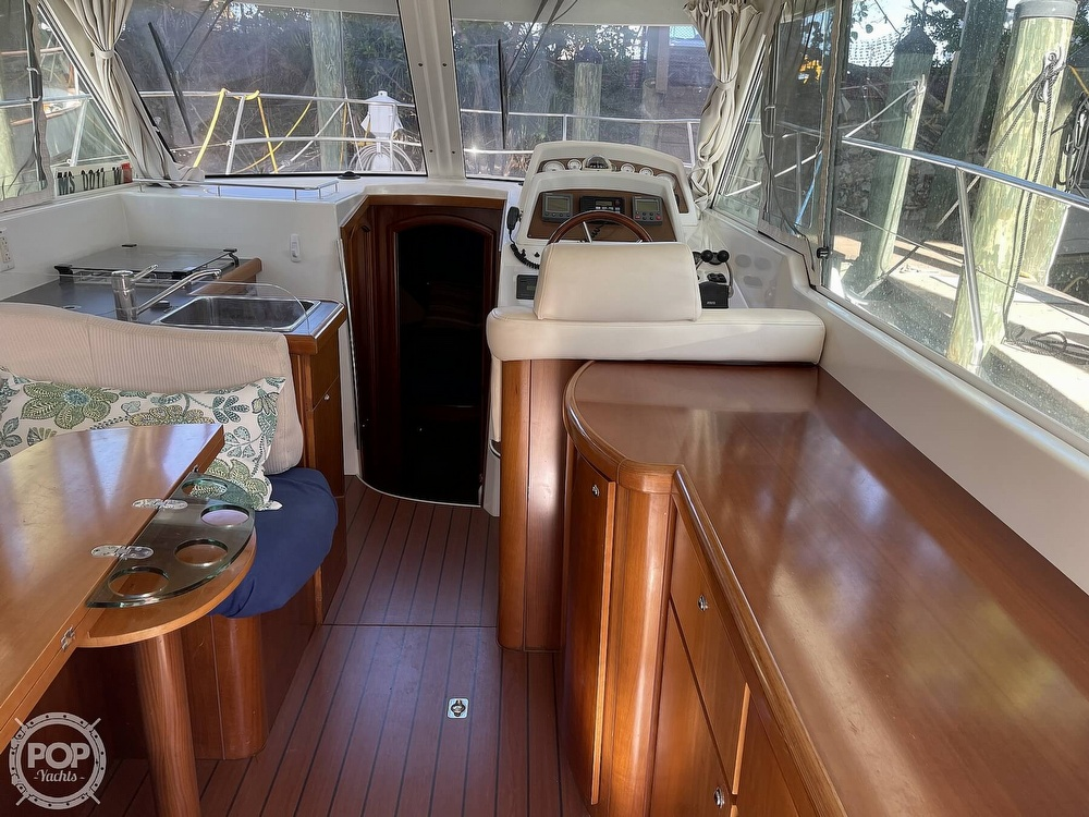 2005 Beneteau boat for sale, model of the boat is Antares 9.8 & Image # 30 of 40