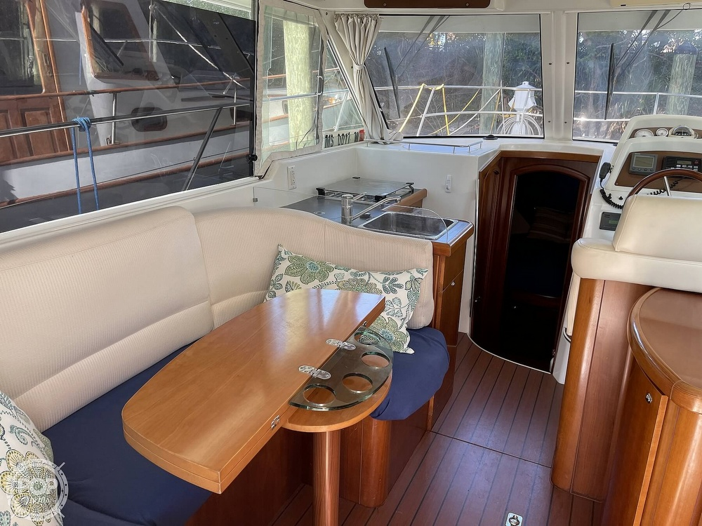 2005 Beneteau boat for sale, model of the boat is Antares 9.8 & Image # 31 of 40