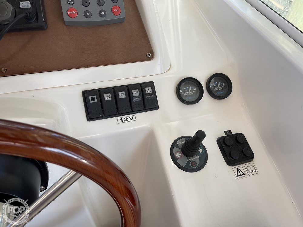 2005 Beneteau boat for sale, model of the boat is Antares 9.8 & Image # 36 of 40