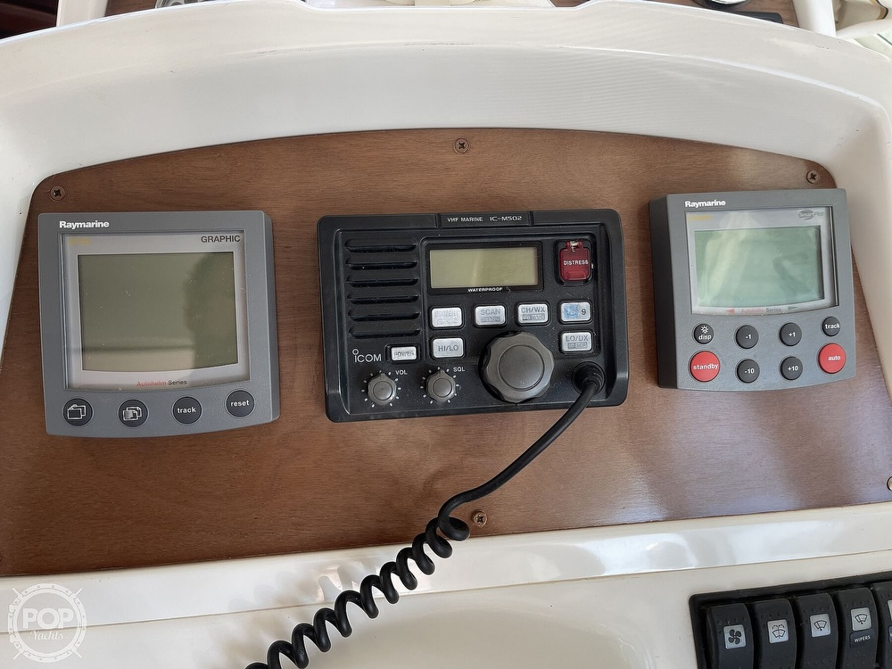 2005 Beneteau boat for sale, model of the boat is Antares 9.8 & Image # 38 of 40