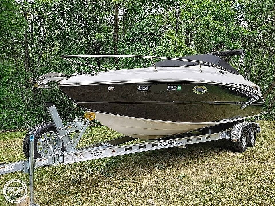 2020 Stingray boat for sale, model of the boat is 250CR & Image # 2 of 40