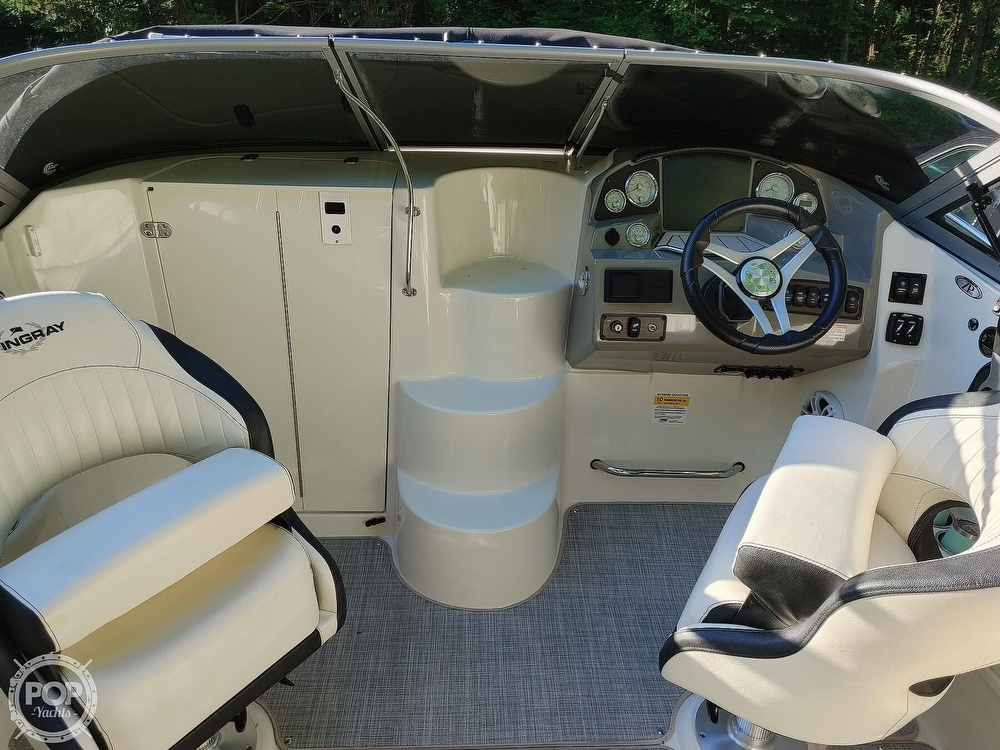 2020 Stingray boat for sale, model of the boat is 250CR & Image # 13 of 40