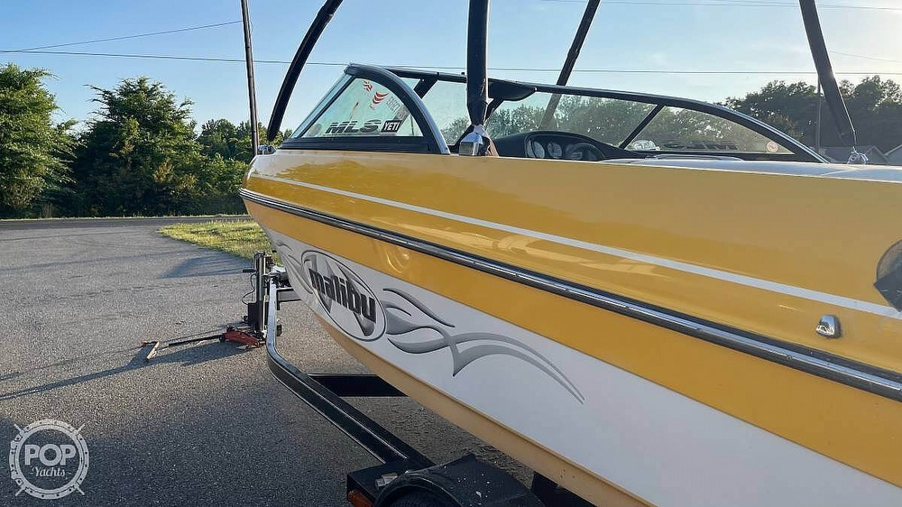 2003 Malibu boat for sale, model of the boat is Wakesetter & Image # 4 of 14