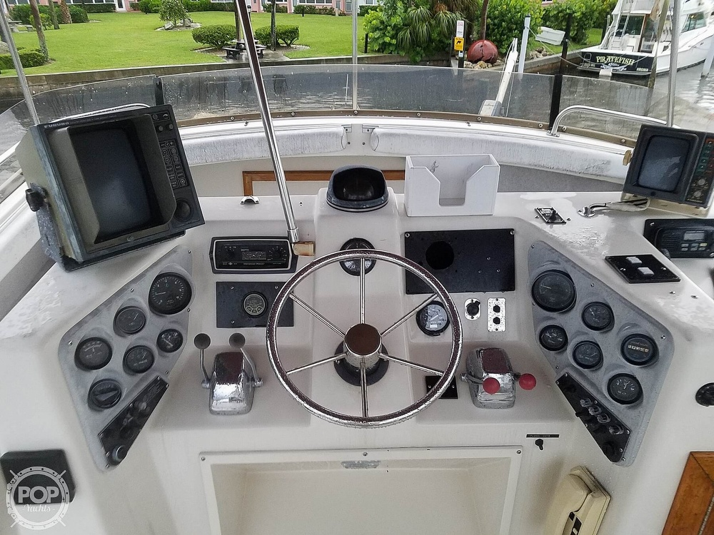 1989 Silverton boat for sale, model of the boat is 40C & Image # 3 of 10