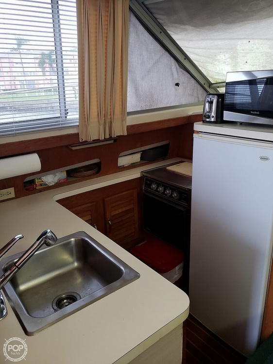 1989 Silverton boat for sale, model of the boat is 40C & Image # 6 of 10