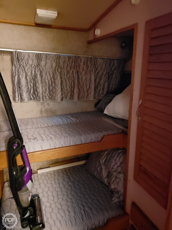 1989 Silverton boat for sale, model of the boat is 40C & Image # 8 of 10