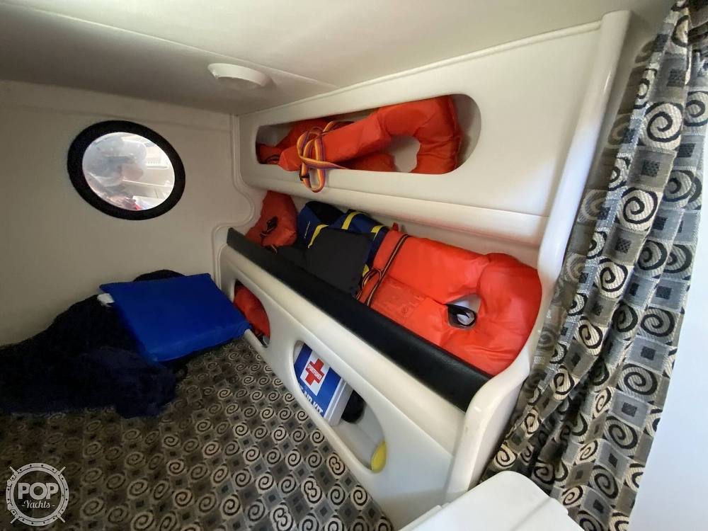 2001 Rinker boat for sale, model of the boat is 270 Fiesta Vee & Image # 37 of 40
