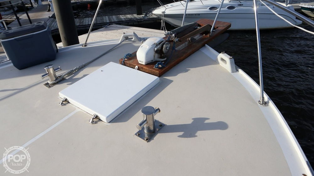 1997 Bruce Roberts boat for sale, model of the boat is 46 Long Range & Image # 32 of 40