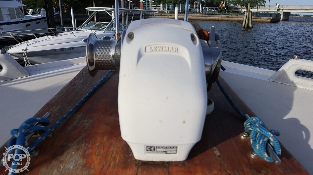1997 Bruce Roberts boat for sale, model of the boat is 46 Long Range & Image # 34 of 40