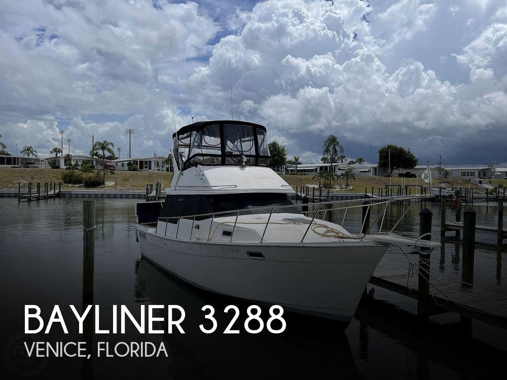 1989 Bayliner boat for sale, model of the boat is 3288 Motoryacht & Image # 1 of 40
