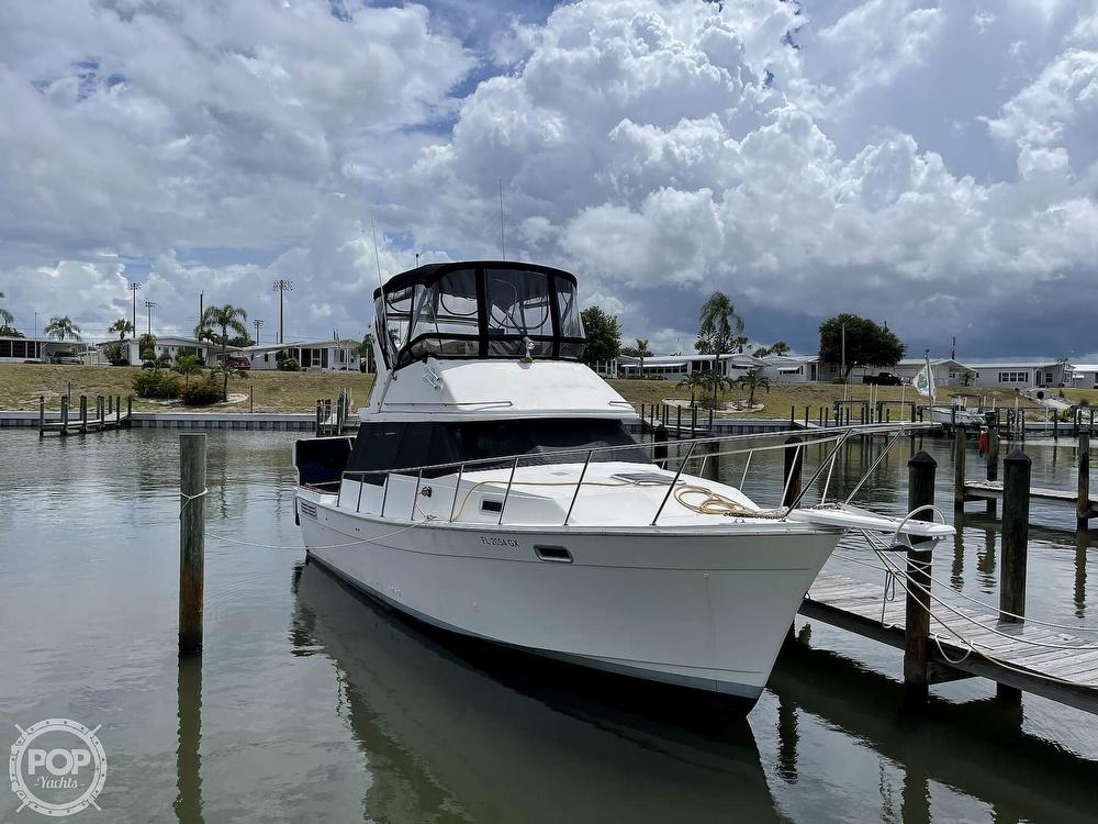 1989 Bayliner boat for sale, model of the boat is 3288 Motoryacht & Image # 3 of 40