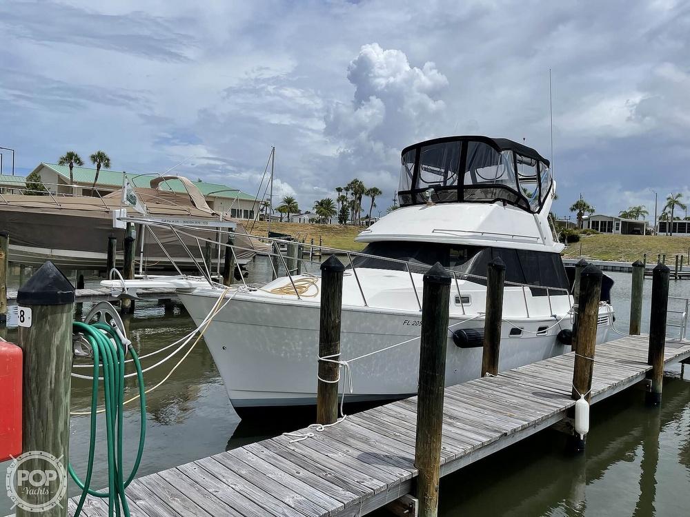 1989 Bayliner boat for sale, model of the boat is 3288 Motoryacht & Image # 5 of 40