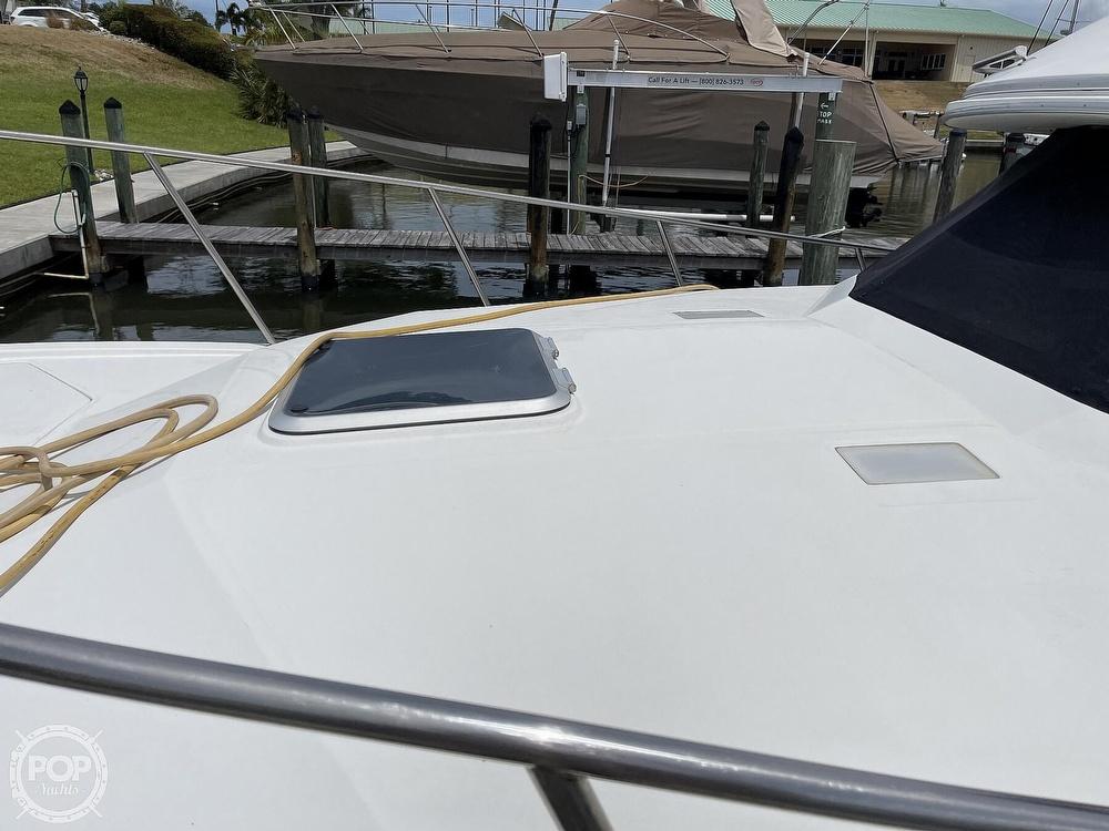 1989 Bayliner boat for sale, model of the boat is 3288 Motoryacht & Image # 10 of 40