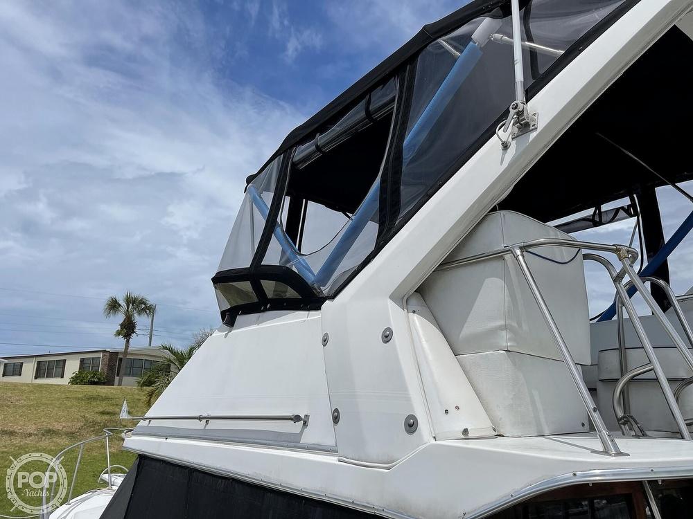 1989 Bayliner boat for sale, model of the boat is 3288 Motoryacht & Image # 16 of 40