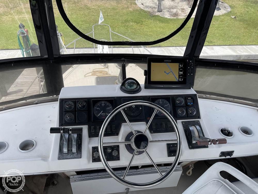 1989 Bayliner boat for sale, model of the boat is 3288 Motoryacht & Image # 29 of 40