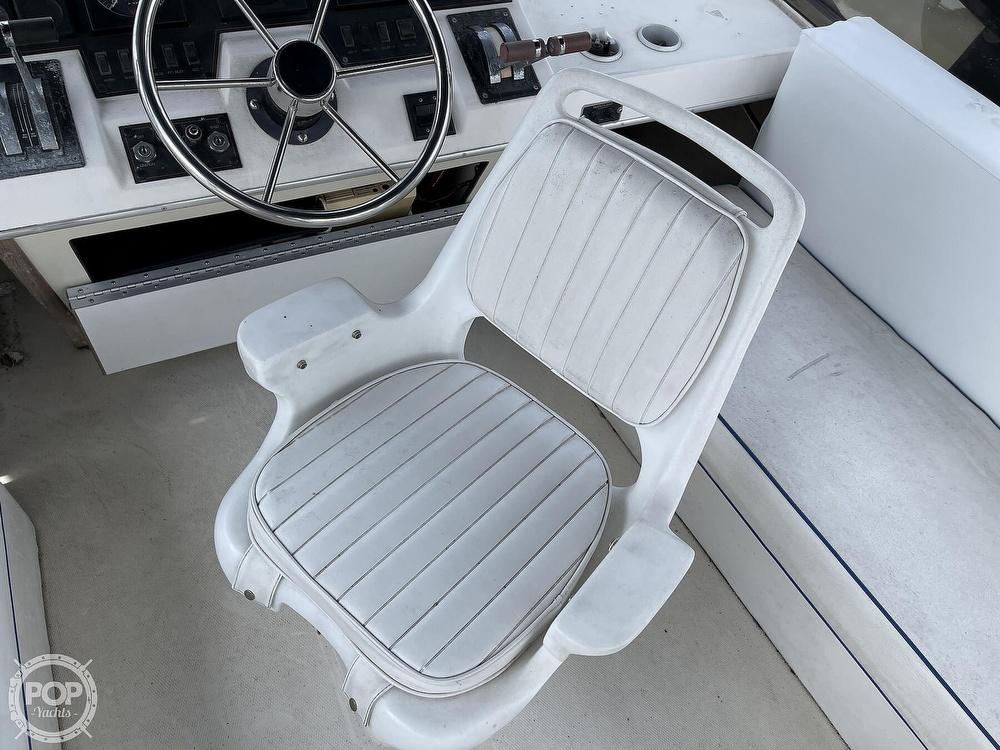 1989 Bayliner boat for sale, model of the boat is 3288 Motoryacht & Image # 30 of 40