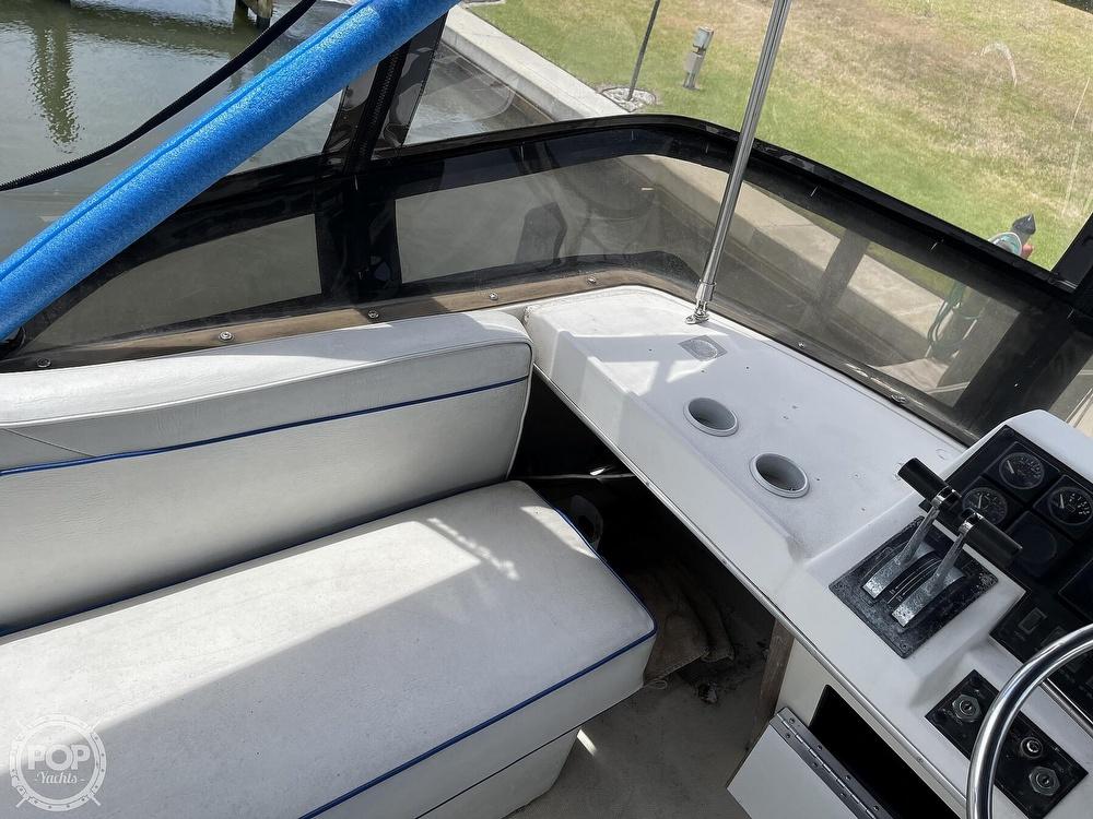 1989 Bayliner boat for sale, model of the boat is 3288 Motoryacht & Image # 36 of 40