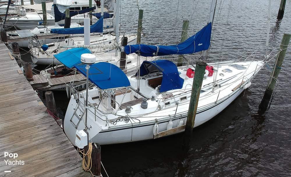1985 Hunter boat for sale, model of the boat is 40 Legend & Image # 10 of 40