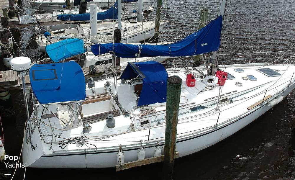 1985 Hunter boat for sale, model of the boat is 40 Legend & Image # 11 of 40
