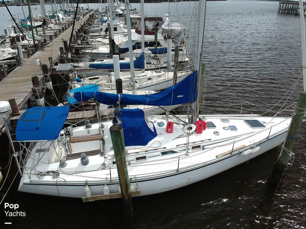 1985 Hunter boat for sale, model of the boat is 40 Legend & Image # 12 of 40