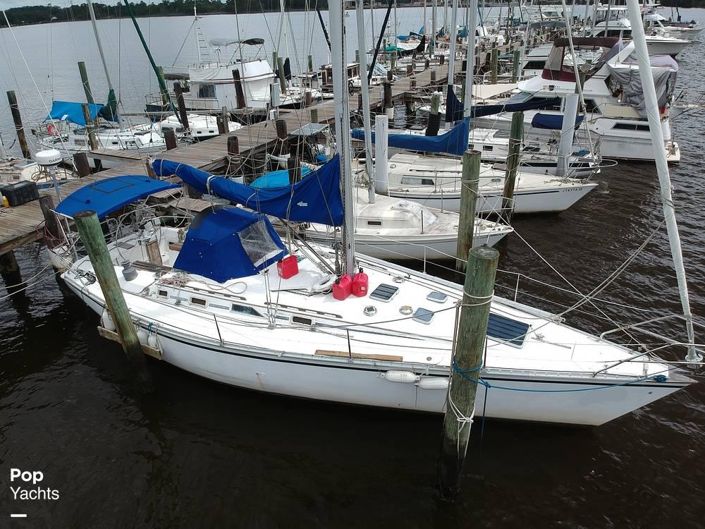 1985 Hunter boat for sale, model of the boat is 40 Legend & Image # 13 of 40