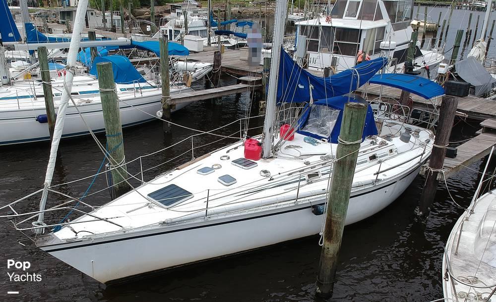 1985 Hunter boat for sale, model of the boat is 40 Legend & Image # 16 of 40