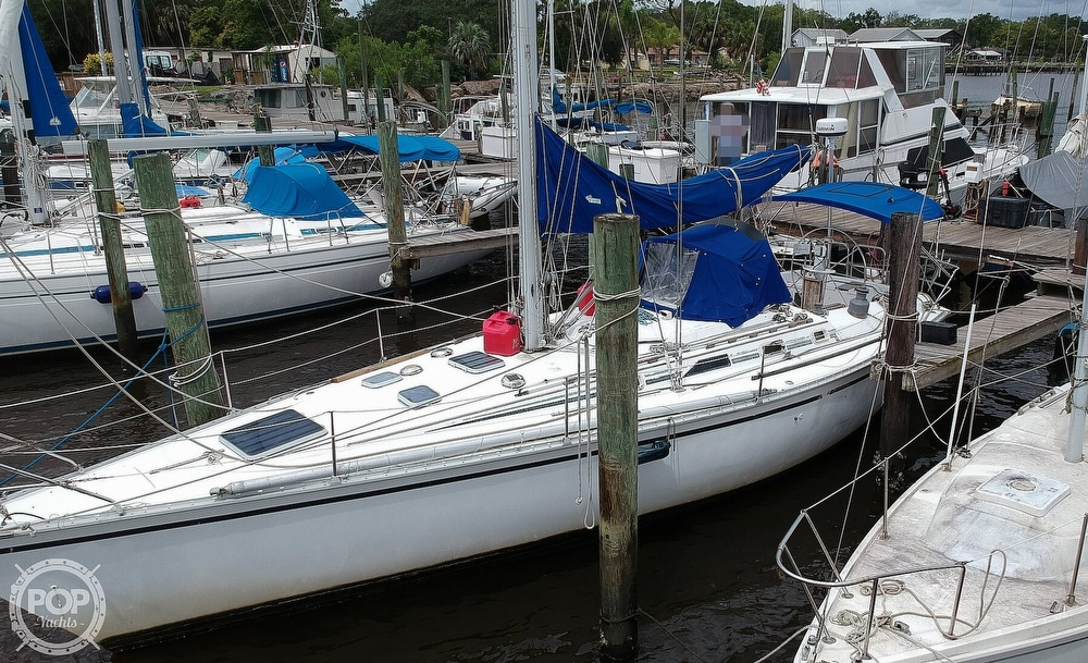 1985 Hunter boat for sale, model of the boat is 40 Legend & Image # 18 of 40