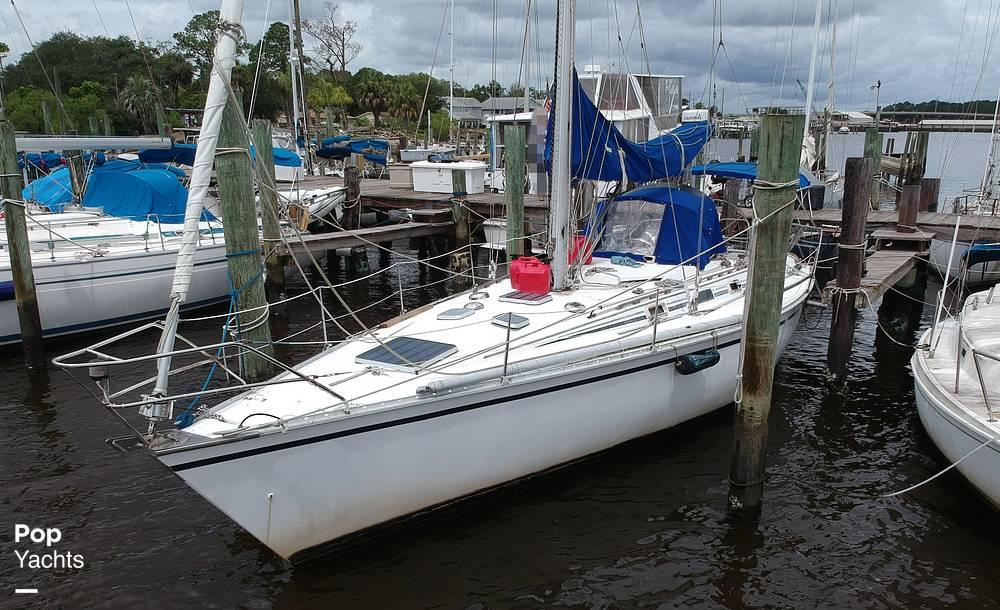 1985 Hunter boat for sale, model of the boat is 40 Legend & Image # 20 of 40
