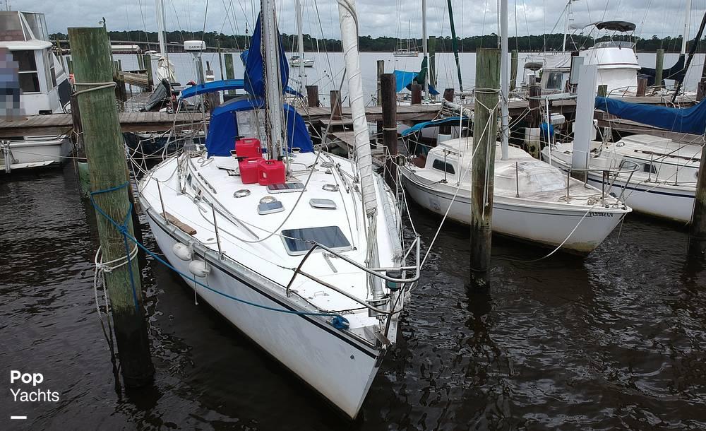1985 Hunter boat for sale, model of the boat is 40 Legend & Image # 21 of 40