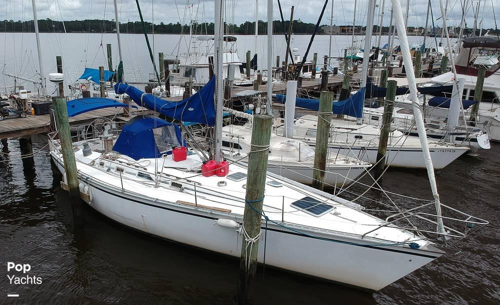 1985 Hunter boat for sale, model of the boat is 40 Legend & Image # 23 of 40