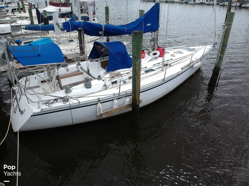1985 Hunter boat for sale, model of the boat is 40 Legend & Image # 27 of 40