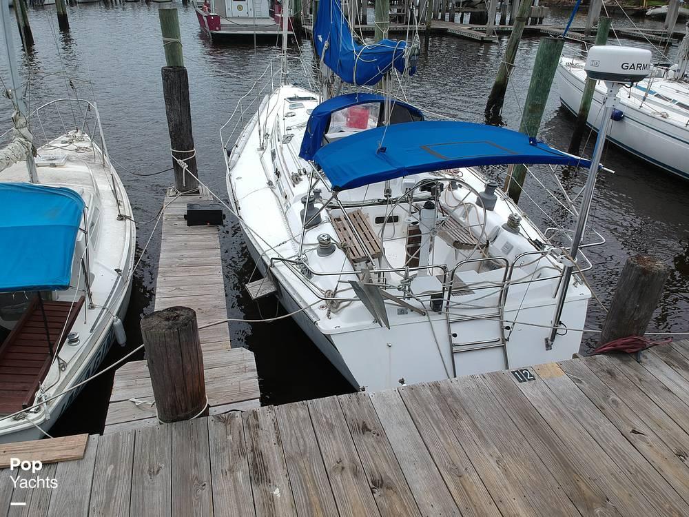 1985 Hunter boat for sale, model of the boat is 40 Legend & Image # 30 of 40
