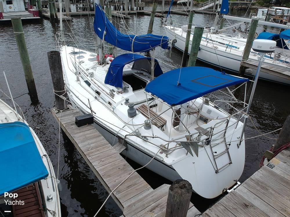 1985 Hunter boat for sale, model of the boat is 40 Legend & Image # 31 of 40