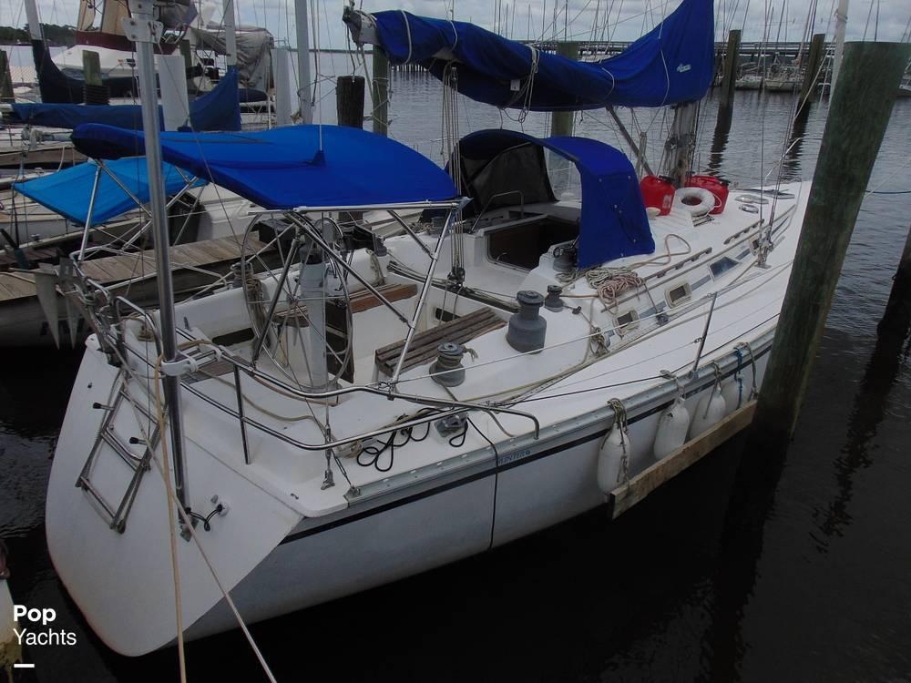 1985 Hunter boat for sale, model of the boat is 40 Legend & Image # 38 of 40