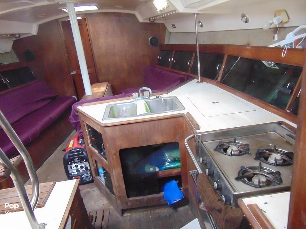 1985 Hunter boat for sale, model of the boat is 40 Legend & Image # 6 of 40
