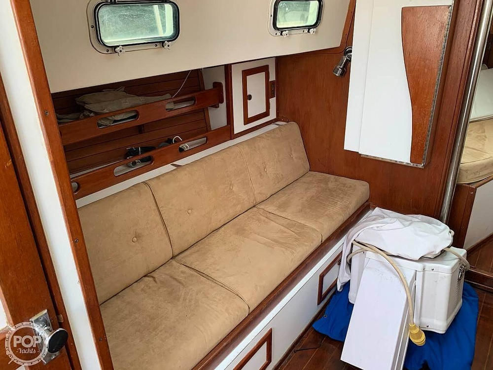 1982 Bombay Clipper boat for sale, model of the boat is 31 & Image # 3 of 24