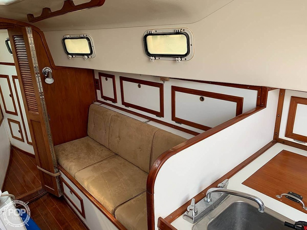 1982 Bombay Clipper boat for sale, model of the boat is 31 & Image # 4 of 24