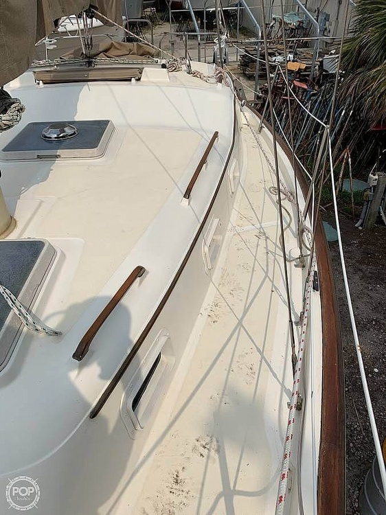 1982 Bombay Clipper boat for sale, model of the boat is 31 & Image # 10 of 24