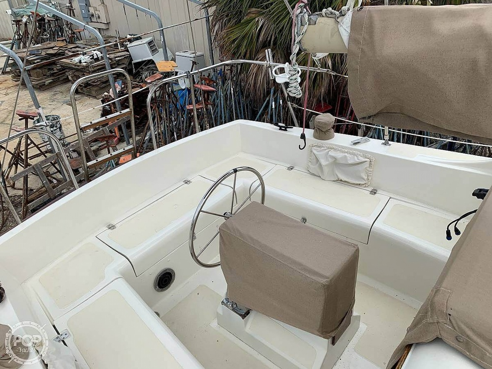 1982 Bombay Clipper boat for sale, model of the boat is 31 & Image # 11 of 24