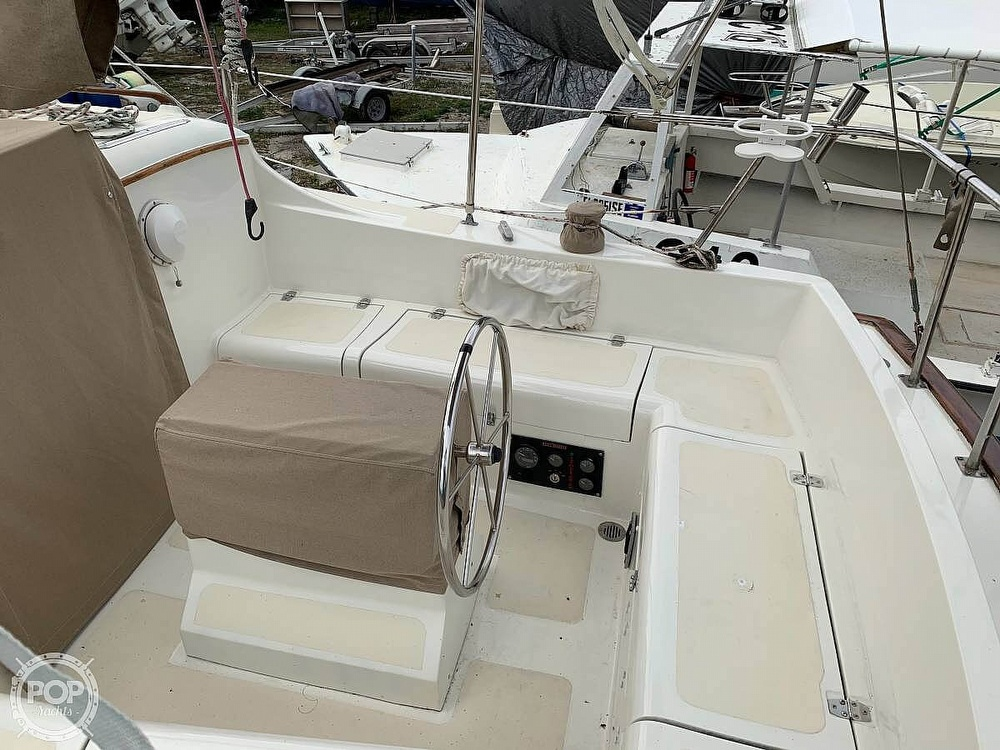 1982 Bombay Clipper boat for sale, model of the boat is 31 & Image # 14 of 24